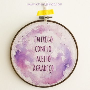 Bordado aquarelado / embroidery and watercolor - Disponível / Available